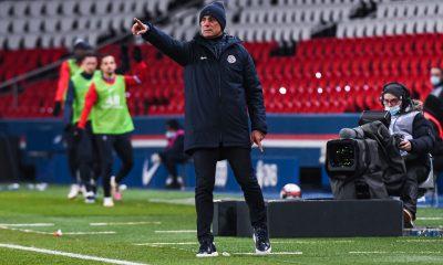 """PSG/Montpellier - Der Zakarian souligne """"c'est compliqué déjà à 11 contre Paris"""""""