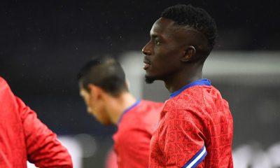 """Gueye compose son équipe """"de légende"""" du PSG, Bernard Mendy en fait partie"""