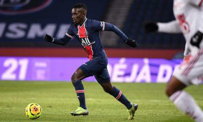 Mercato - Le PSG et Newcastle d'accord pour un prêt de Gueye, sa réponse attendue selon L'Equipe