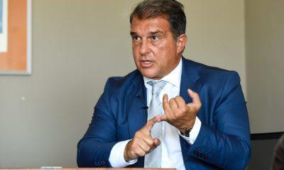 """Laporta évoque """"l'argent"""" pour expliquer la signature de Wijnaldum au PSG"""