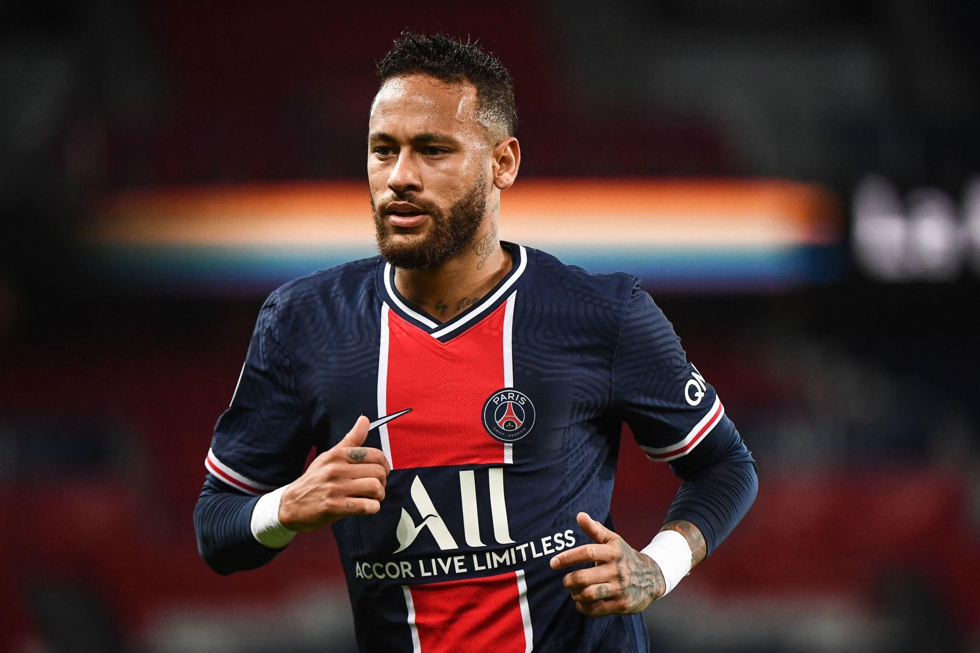 """Neymar est encore """"resté en soins"""" ce lundi, indique Goal"""