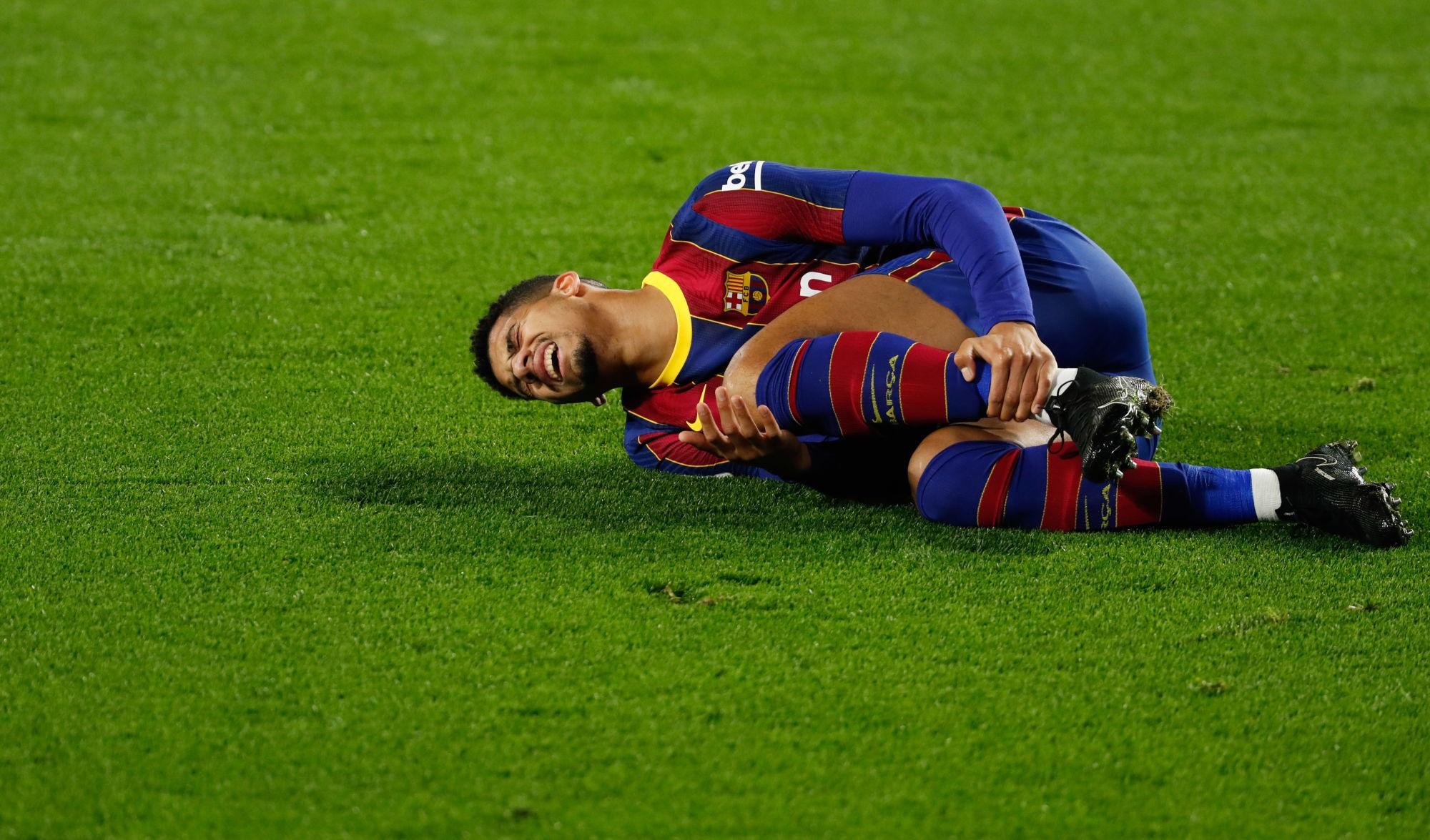 Barça/PSG - Ronaldo Araujo est incertain suite à une entorse à la cheville