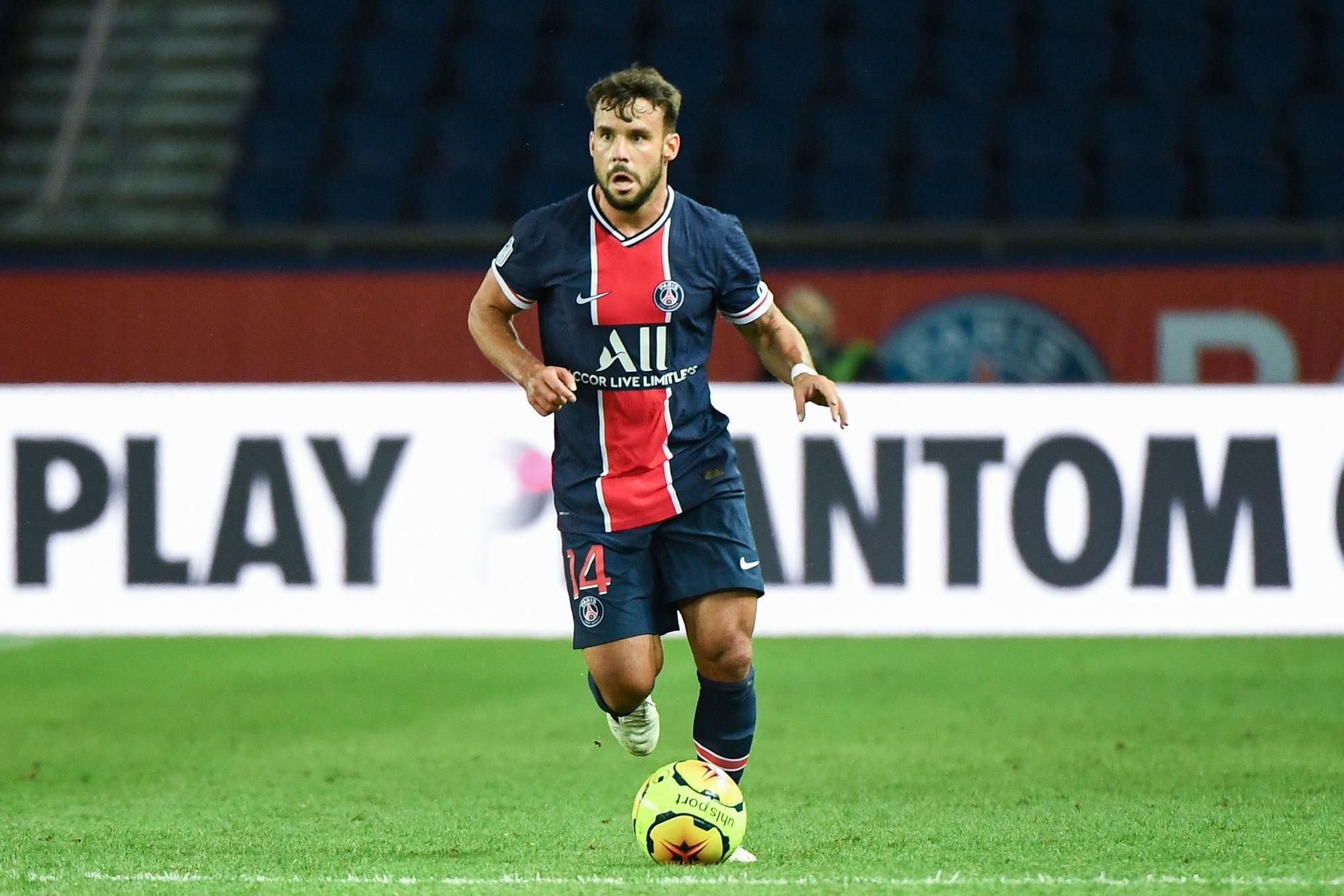 Bernat veut prolonger au PSG et espère un retour en mars, selon L'Equipe