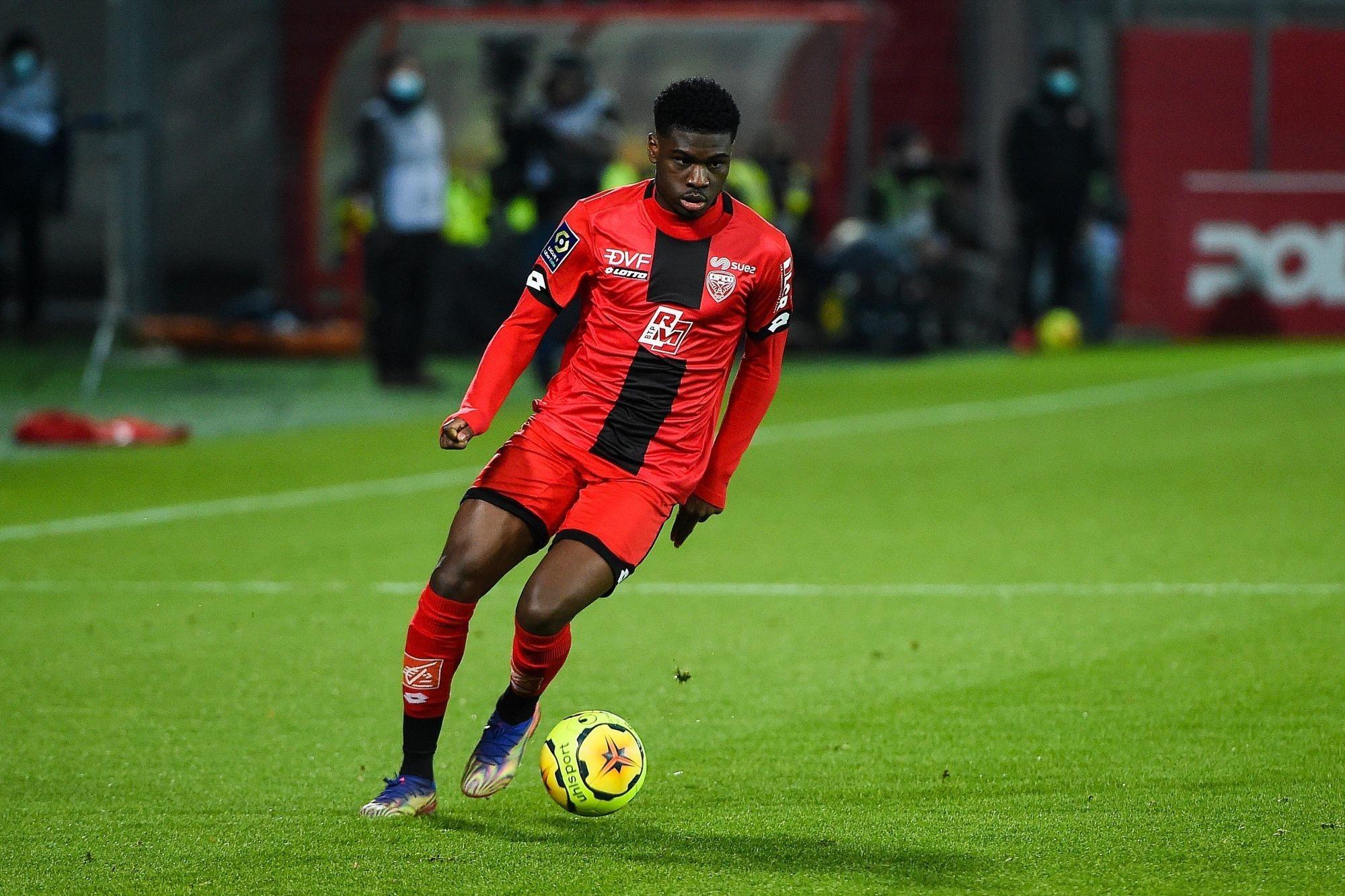 Mercato - Le Titi Dina-Ebimbe intéresse en Ligue 1 et Bundesliga, selon Foot Mercato