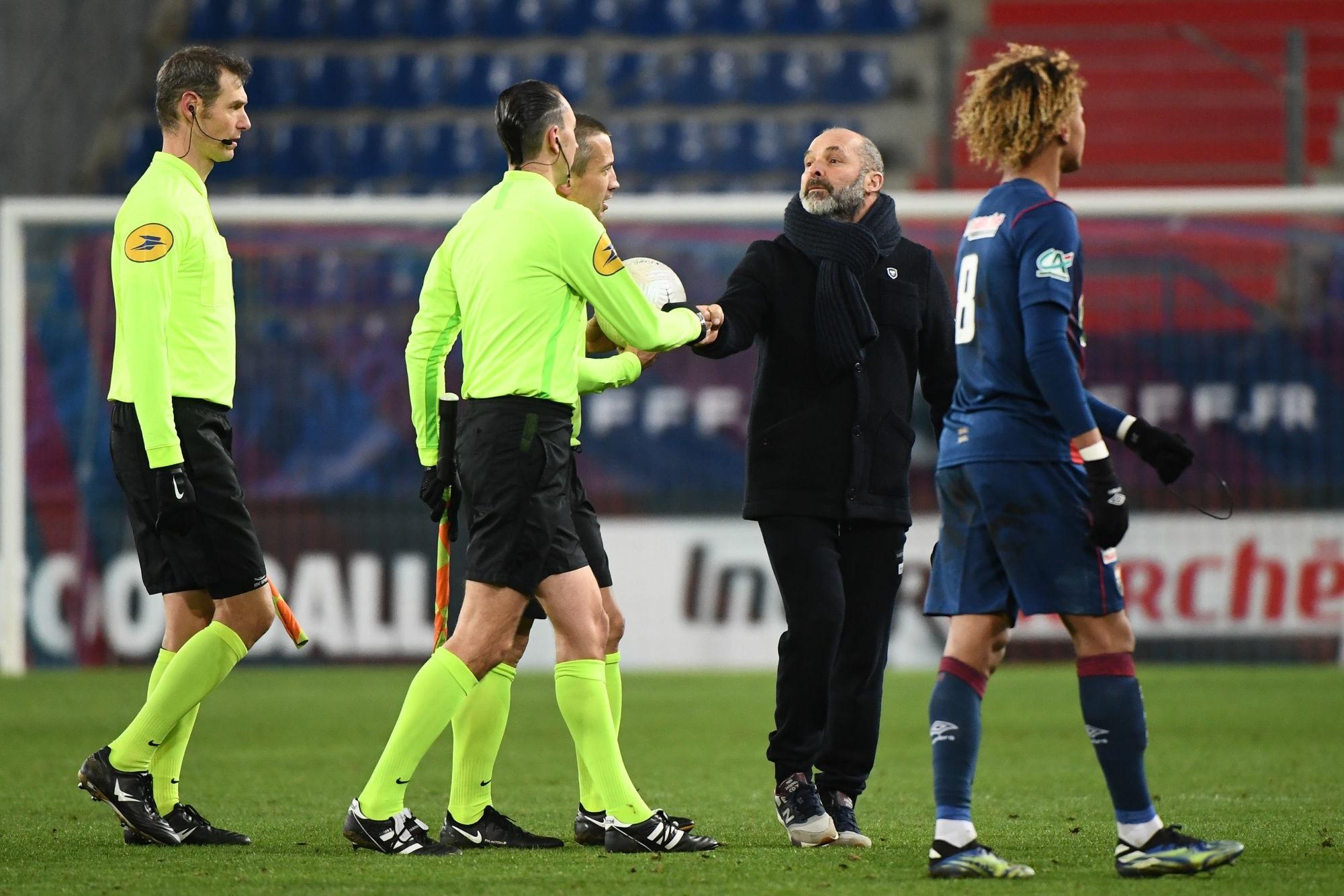 """Caen/PSG - Dupraz critique l'arbitre et lance """"Je ne veux pas pleurer, je laisse ça à Neymar"""""""