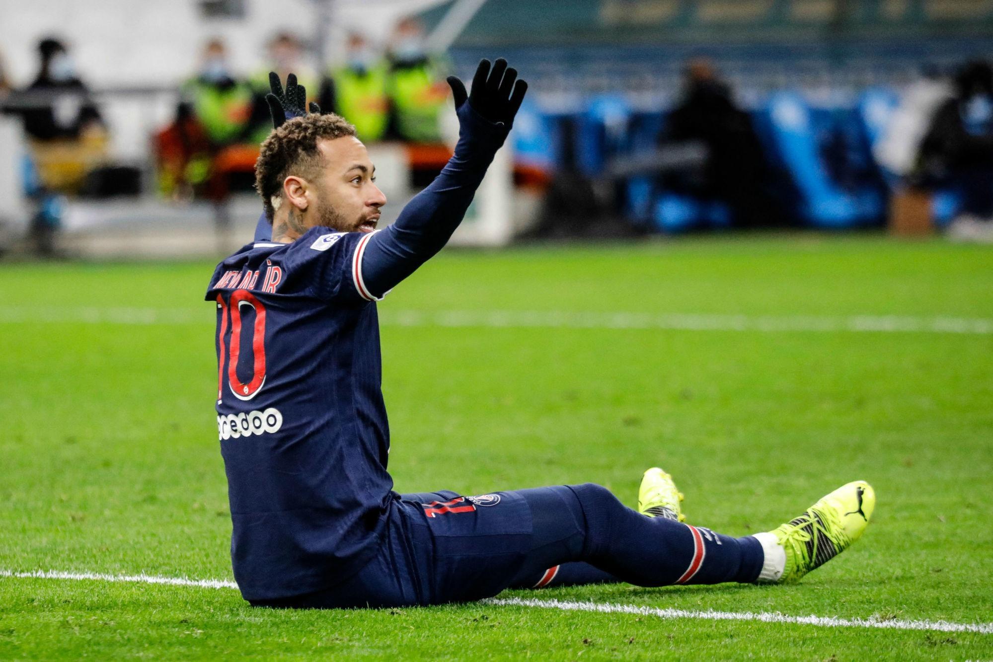 PSG/Nantes - Neymar sera forfait et vise le match contre l'OL, annonce Téléfoot