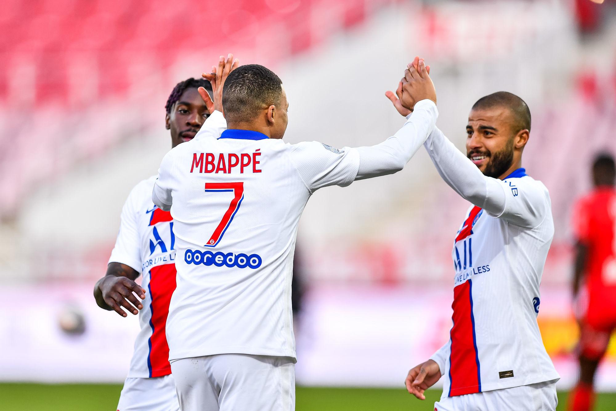 """Riolo applaudit un Mbappé """"investi"""" lors de la victoire du PSG à Dijon"""