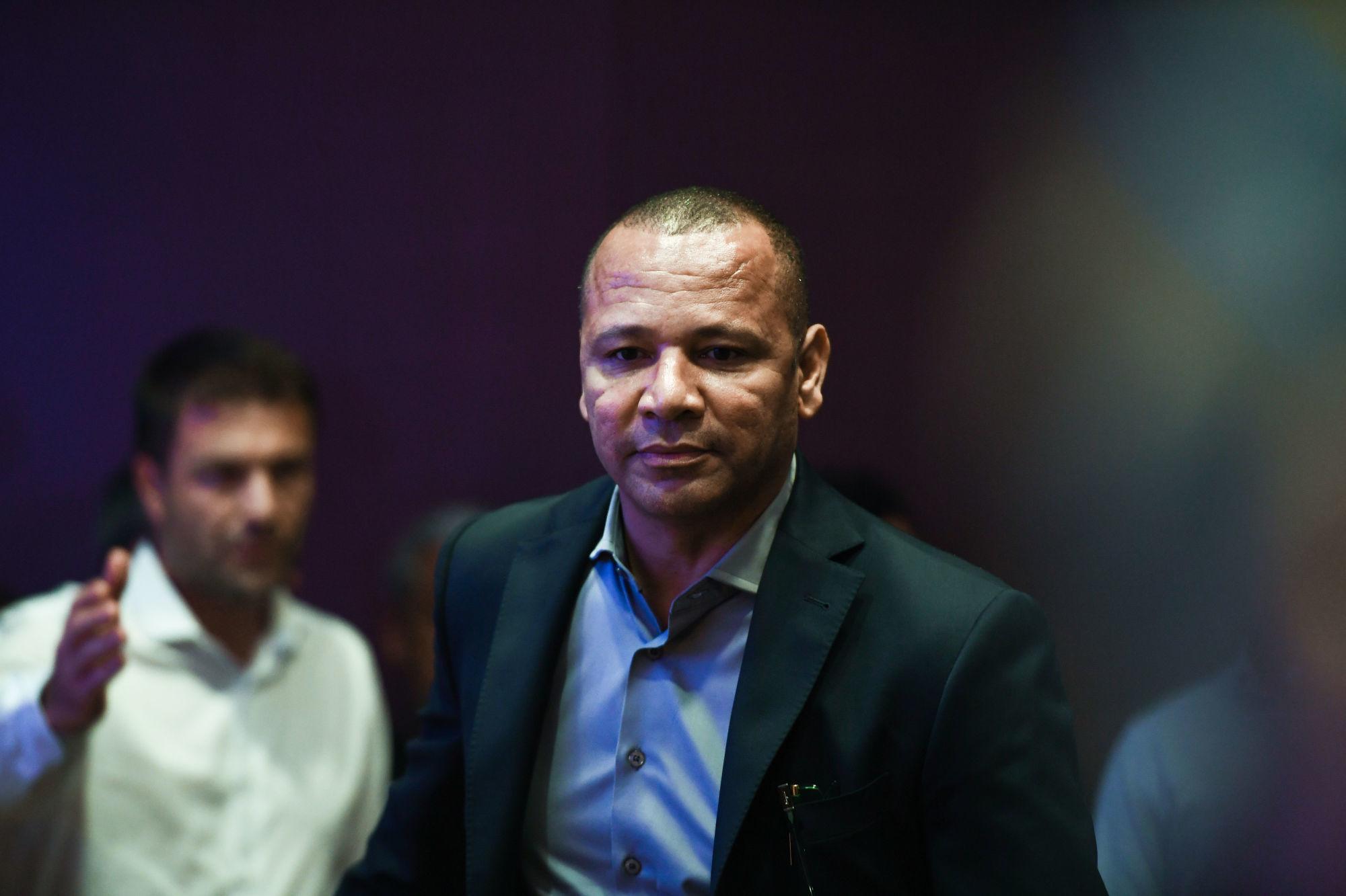 Le père Neymar fustige Pascal Dupraz, les arbitres, la LFP et les journalistes
