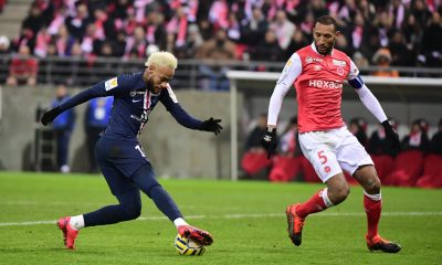 Abdelhamid pense «qu'il y a toujours moyen de bien défendre», contre Neymar