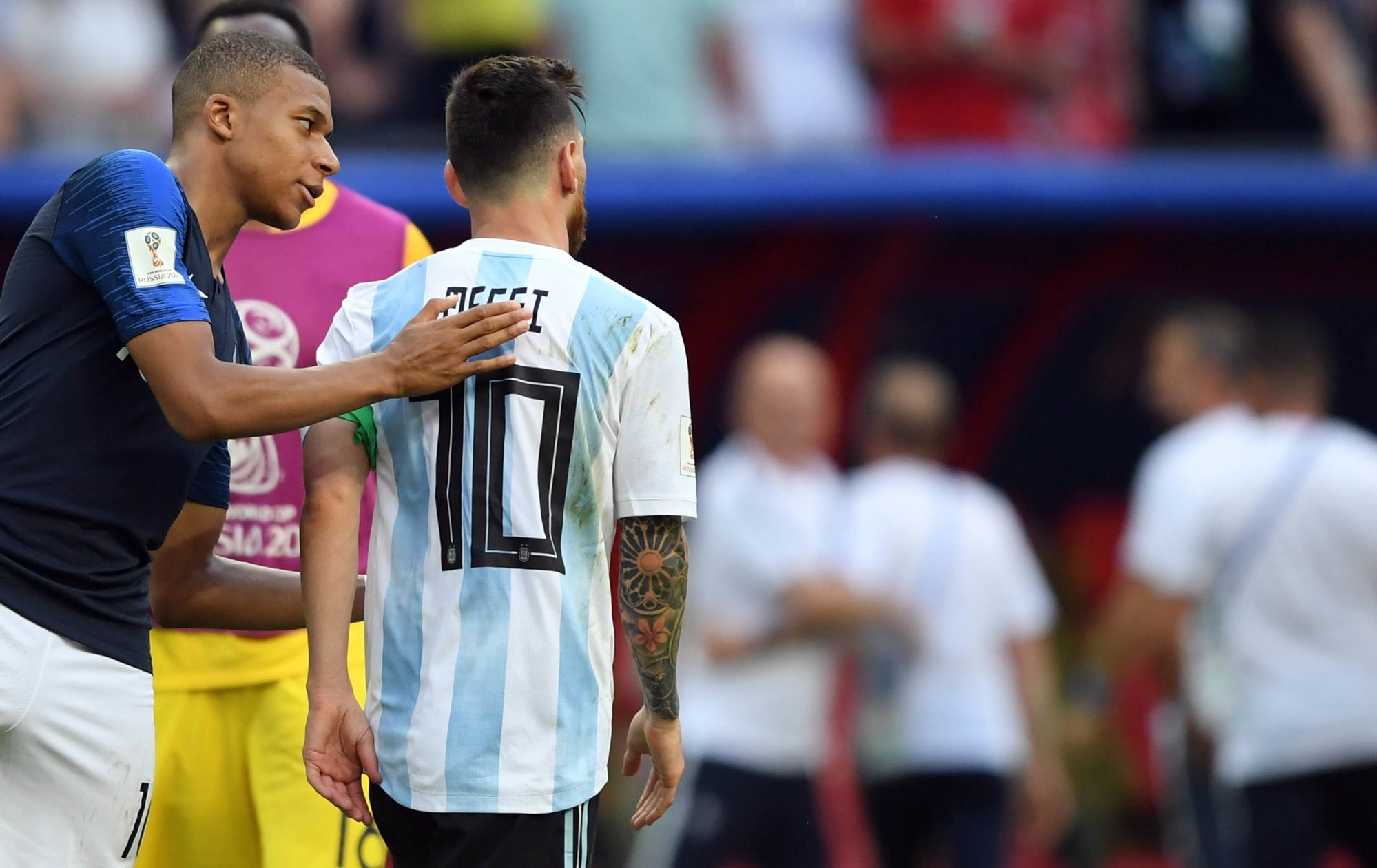Les Français préfèrent Mbappé plutôt que Messi au PSG et sont peu confiants pour la LDC