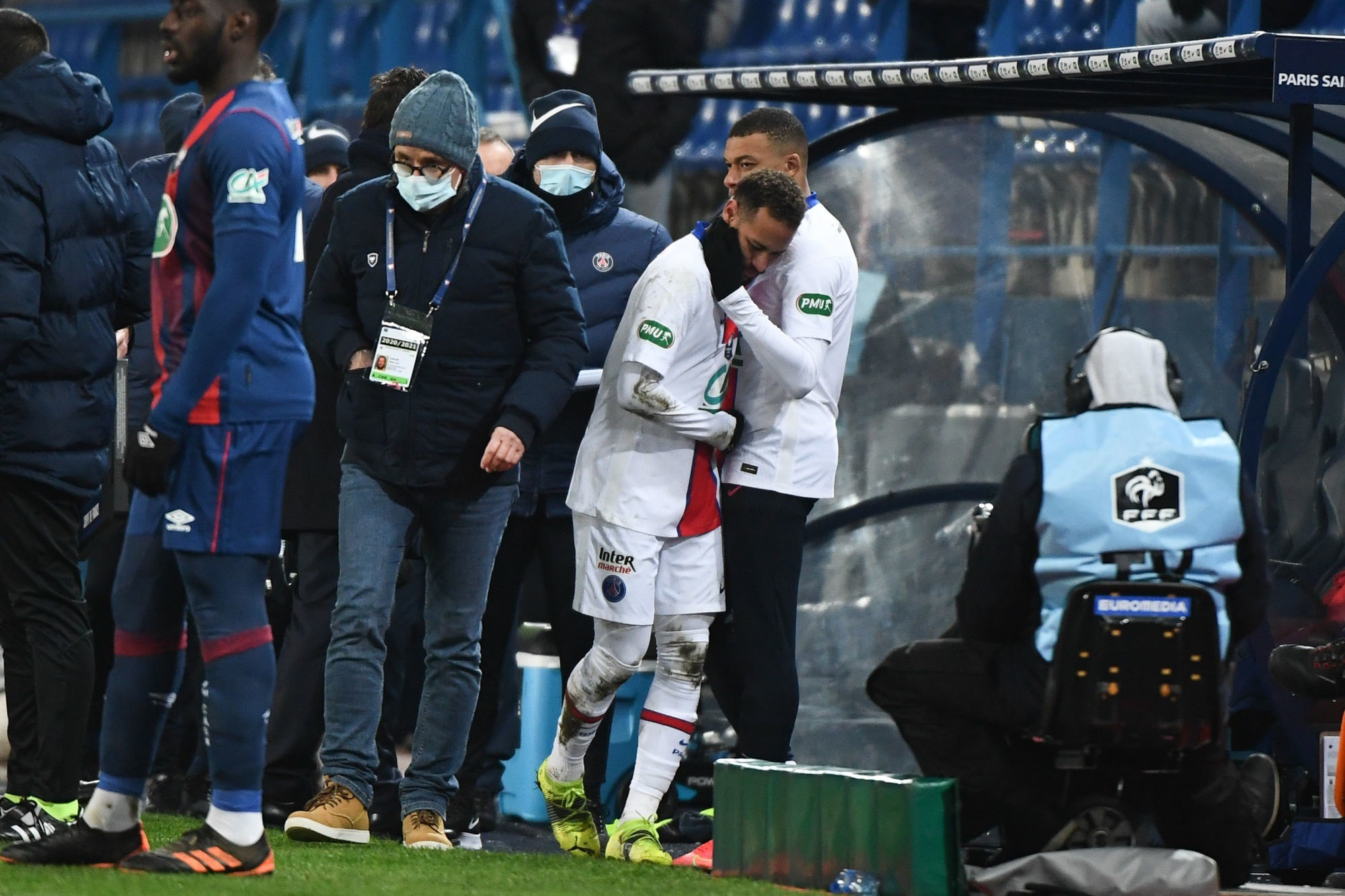 Neymar a quitté le Stade Michel d'Ornano en boîtant