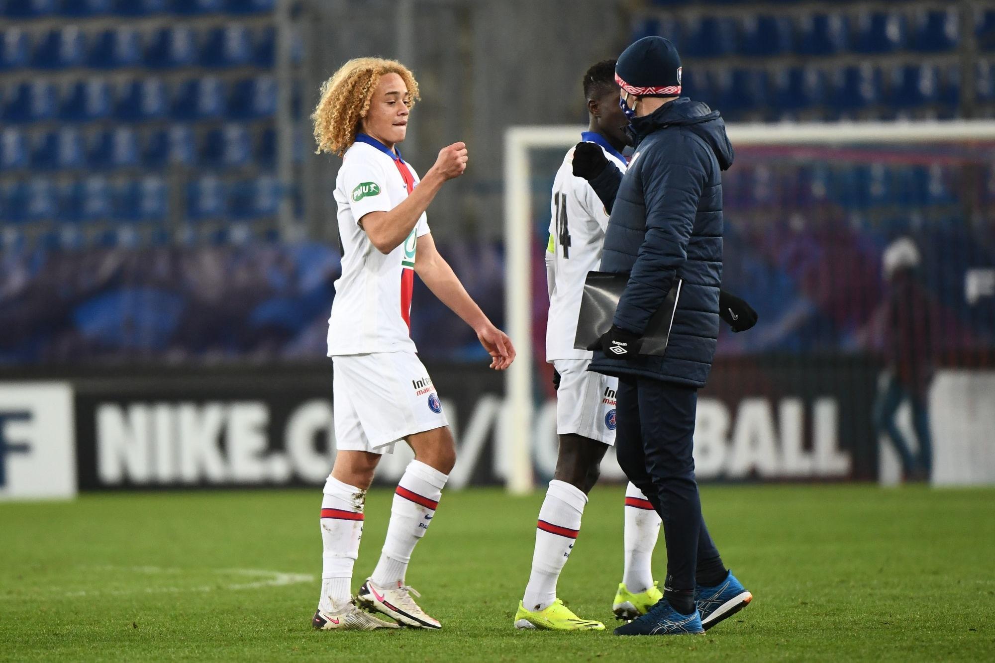 Le PSG compte prolonger le contrat de Xavi Simons, France Bleu confirme