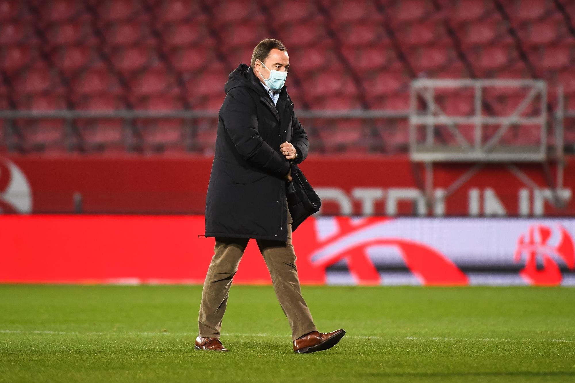 """Dijon/PSG - Delcourt veut que les joueurs """"aillent au moins au charbon"""""""