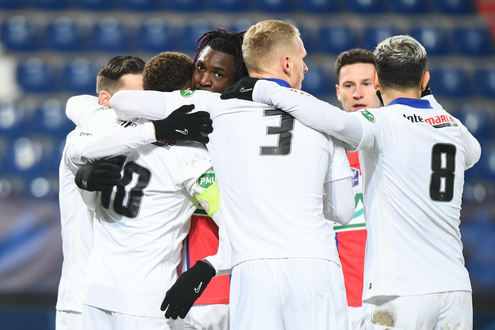 Revivez la victoire du PSG contre Caen au plus près des joueurs