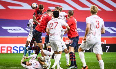 Ligue 1 - Lille s'incline contre Nîmes, le PSG et Lyon peuvent être premiers