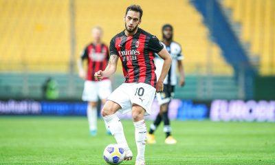 Mercato - Calhanoglu, le PSG annoncé parmi les clubs intéressés
