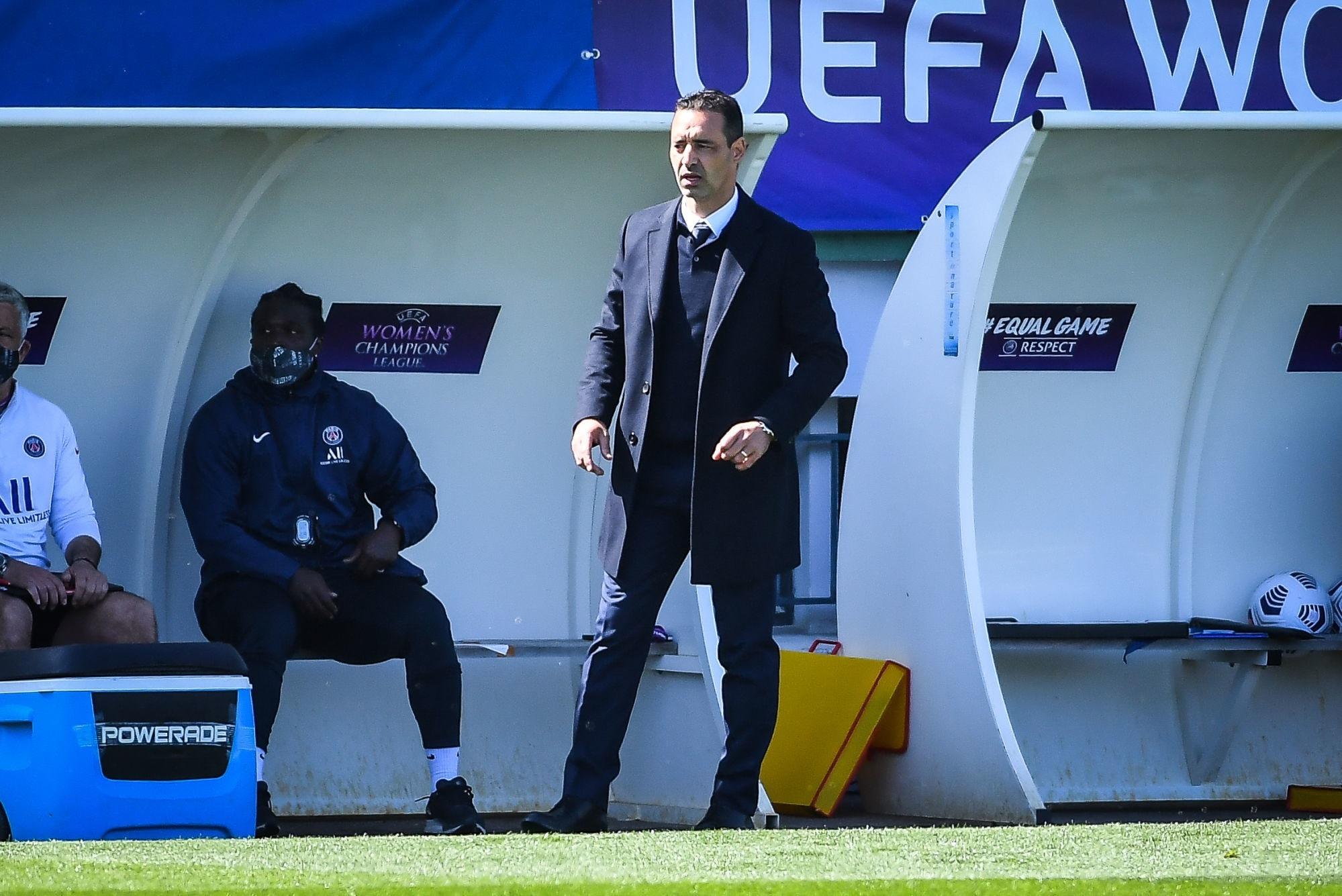 "PSG/Barcelone - Echouafni ""On prend une petite option"""