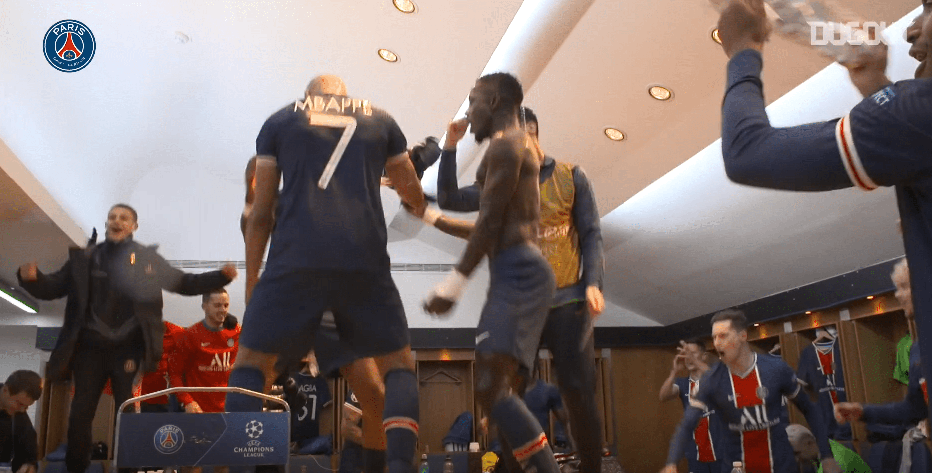 PSG/Bayern - Revivez la qualification et la célébration au plus près des joueurs parisiens