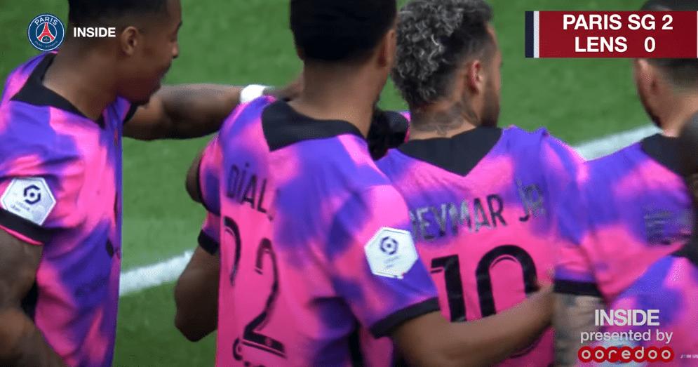 PSG/Lens - Revivez la victoire au plus près des joueurs parisiens