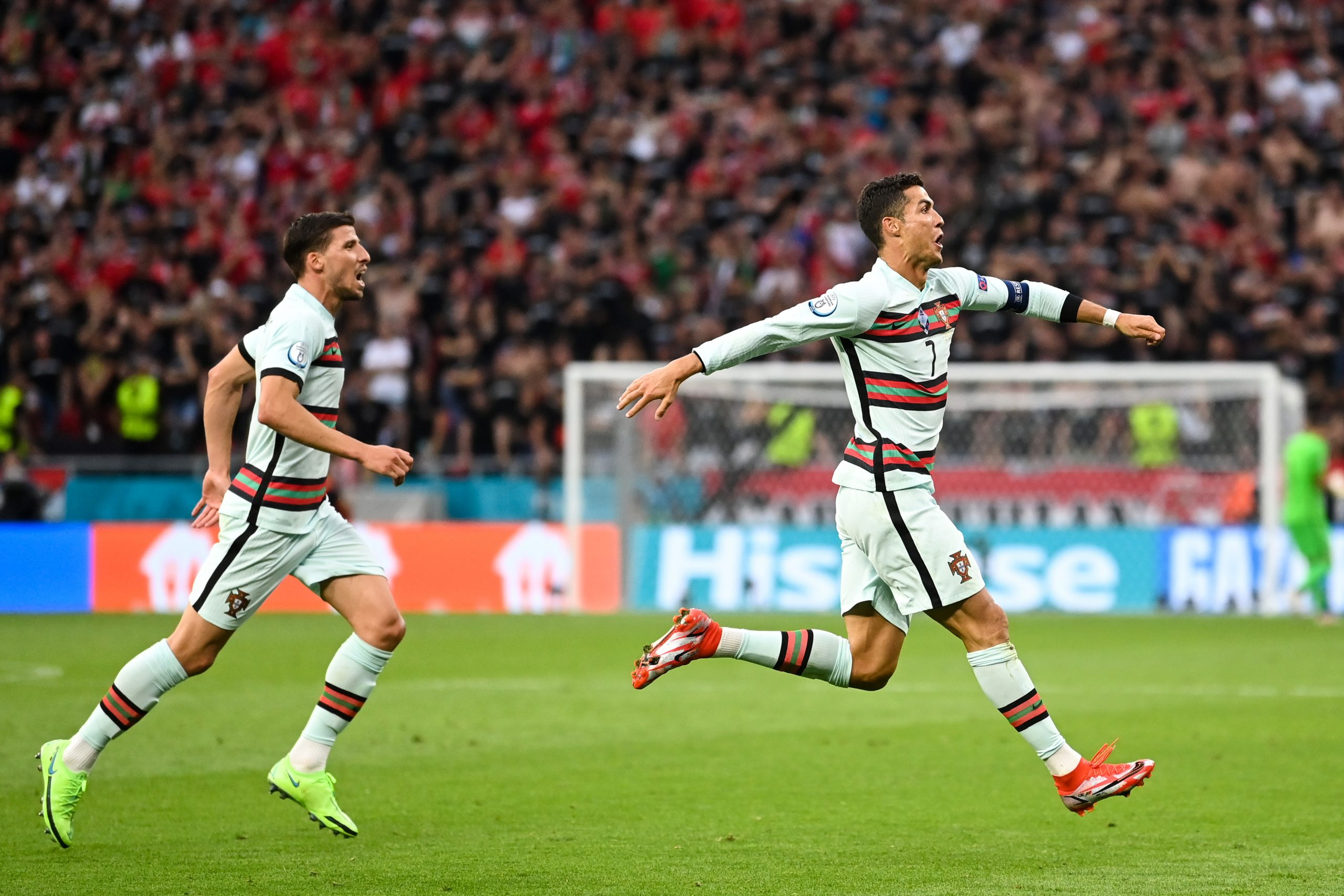 Mercato - Ronaldo devrait rester à la Juventus, confirme La Stampa