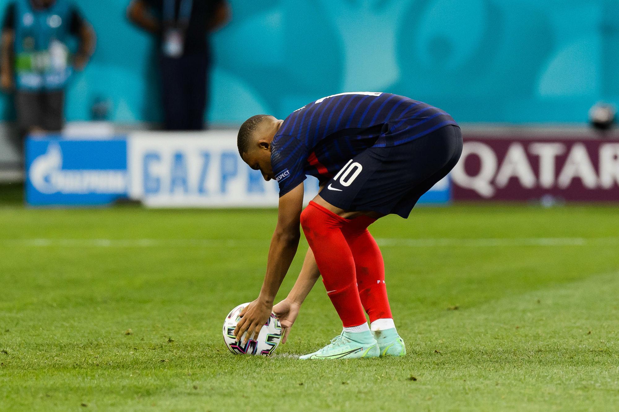 """Hermel s'en prend à Kylian Mbappé, qui serait """"en train de se Neymariser"""""""