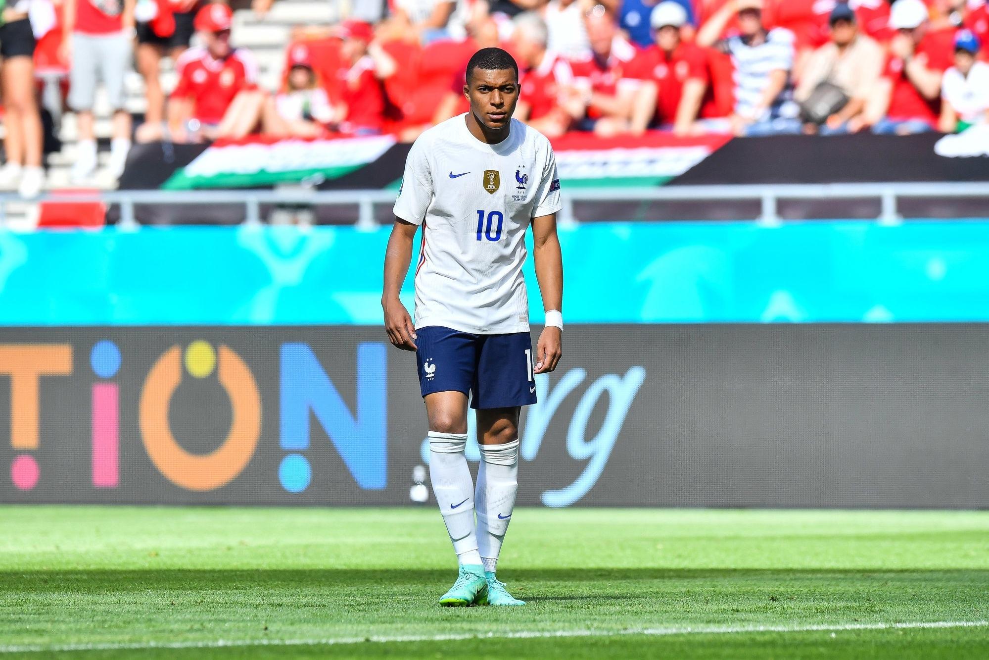 Euro 2020 - Mbappé va tirer les coup-francs directs de l'Equipe de France, selon RMC Sport