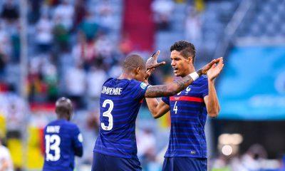 Varane évoque son duo avec Kimpembe en Équipe de France