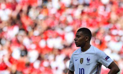 Les images du PSG ce samedi: Matchs internationaux des Parisiens et vacances