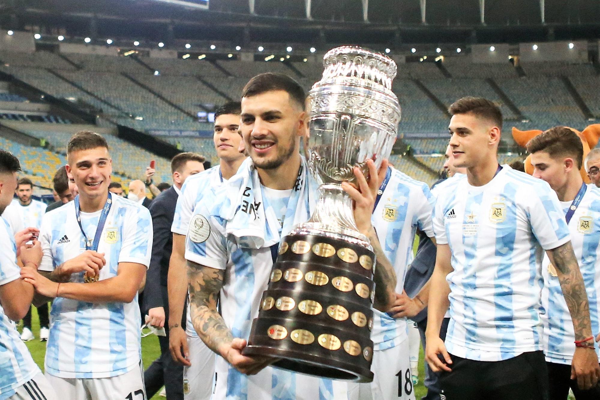 Paredes évoque le trophée du PSG pour le succès en Copa America et l'arrivée de Messi
