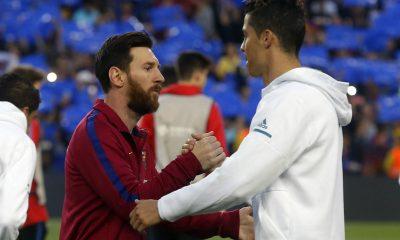 """Mercato - Le PSG """"à l'affût"""" pour Messi et Ronaldo, l'Argentin en priorité selon Foot Mercato"""