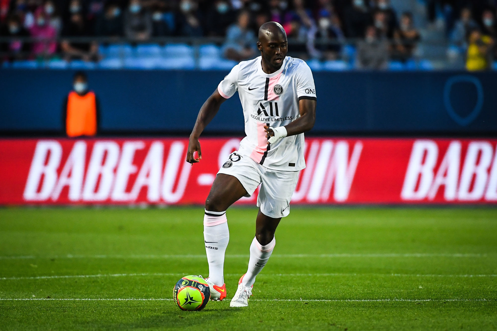 """Danilo évoque la Ligue 1 et PSG/Lyon """"notre mentalité est de gagner"""""""