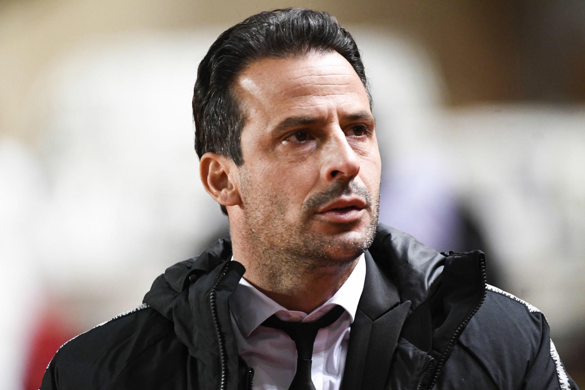"""Giuly reste serein pour le PSG """"Ils doivent travailler pour coordonner leurs mouvements."""""""