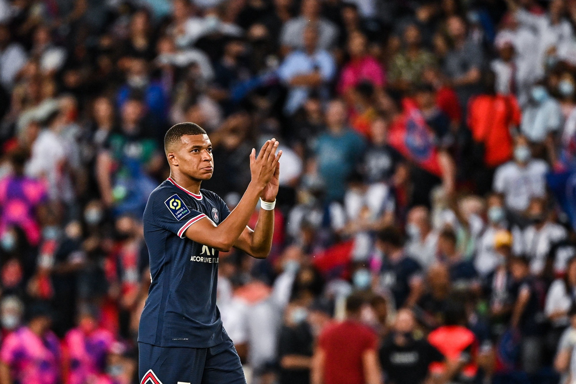 """Mbappé évoque les sifflets des supporters du PSG """"une marque d'affection"""""""