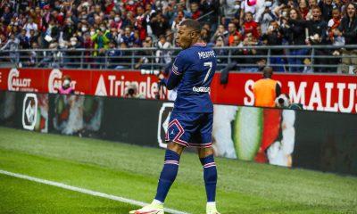 En gardant Mbappé, le PSG réalise son rêve de l'associer à Messi souligne Bitton