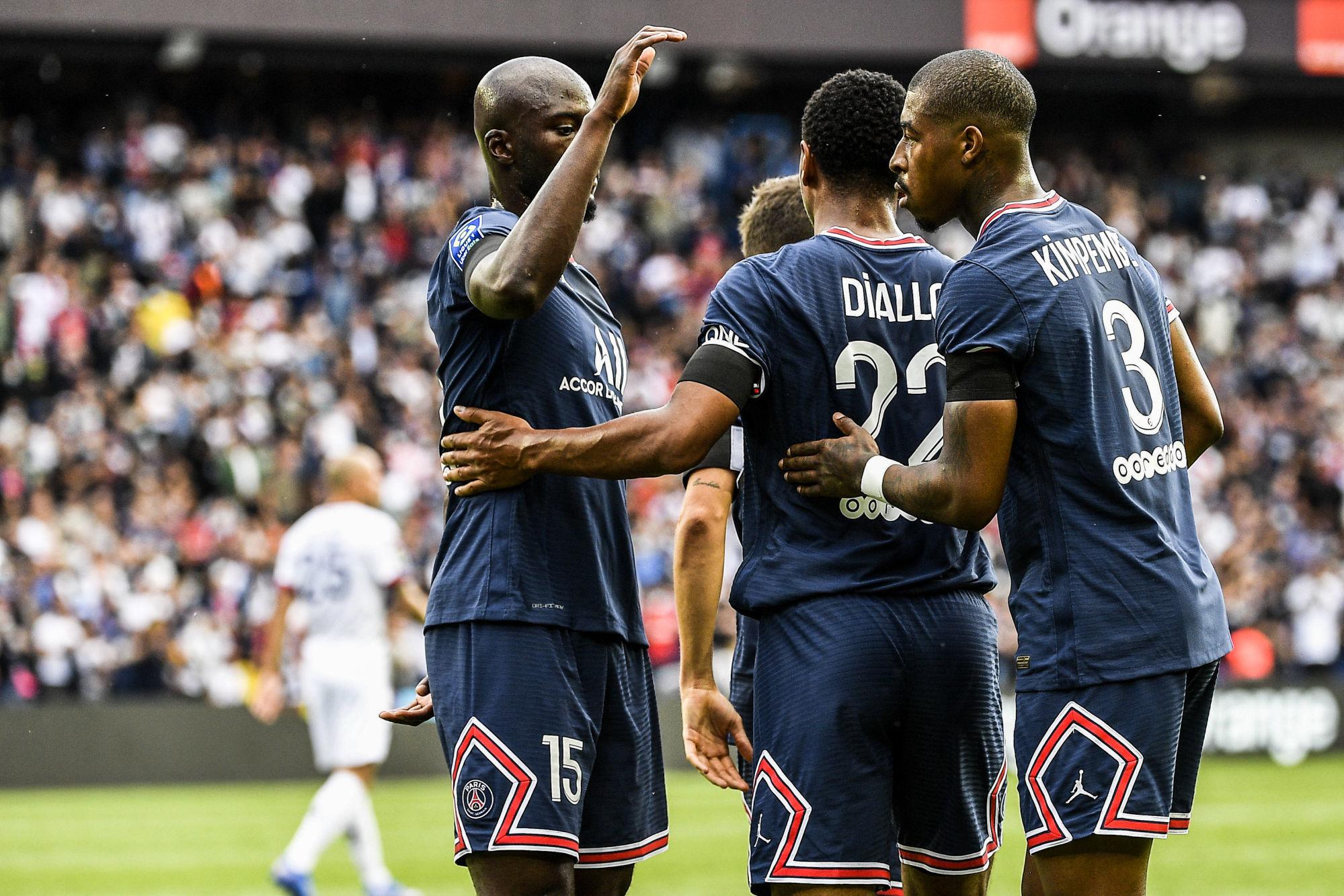 """PSG/Clermont - Danilo savoure la victoire et assure """"Nuno Mendes va beaucoup nous aider"""""""