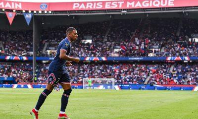 """À la place de Mbappé, Nasri resterait au PSG """"Gagner chez soi, il n'y a pas mieux"""""""
