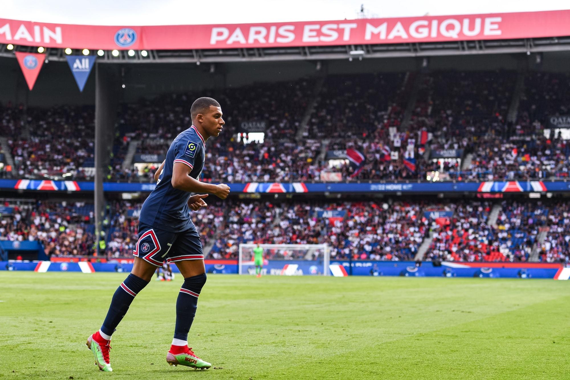 """Bitton critique les sifflets à l'encontre de Mbappé """"des spectateurs plutôt que des supporters"""""""