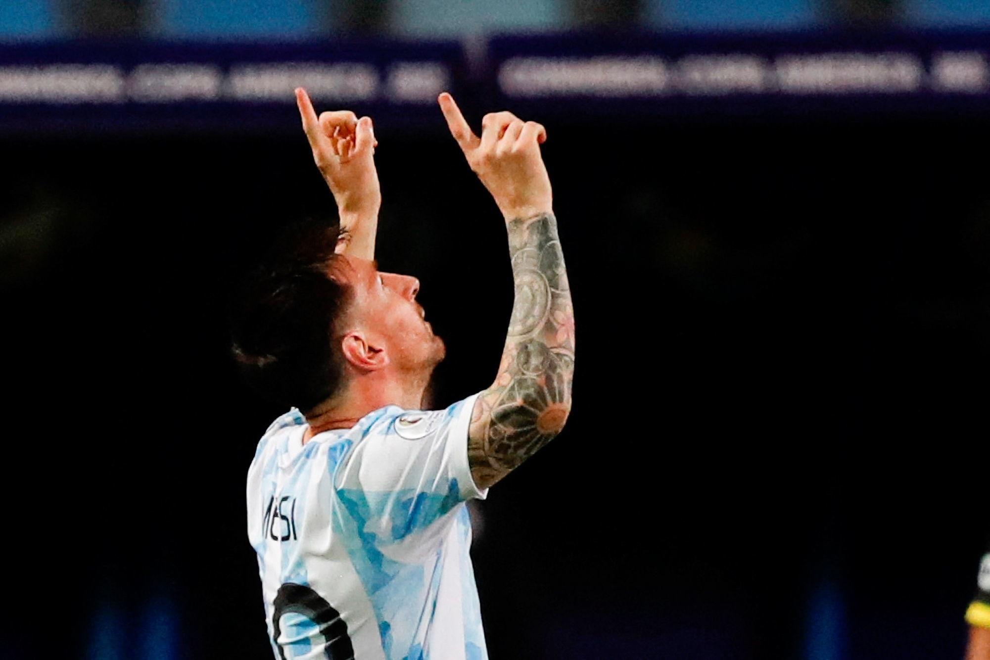 Messi «est comme un chat qui chasse des souris», décrypte Signorini