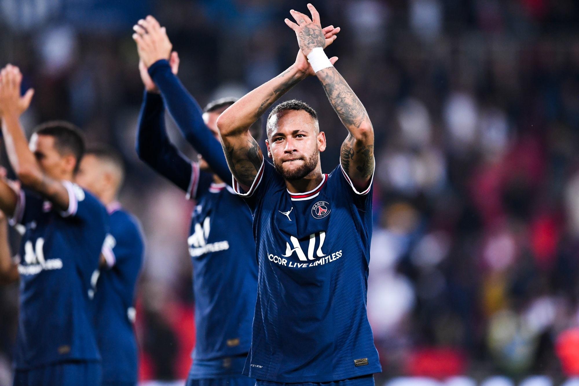 """PSG/Lyon - Neymar est """"très heureux d'avoir pu décrocher la victoire devant nos supporters"""""""