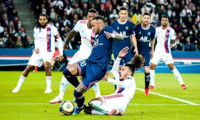 PSG/Lyon - Penalty ou non sur Neymar, les anciens arbitres ne sont d'accord