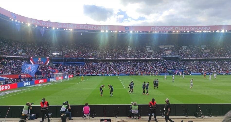 PSG/Clermont - Vu du Parc : musiques, sifflets, acclamations et célébrations