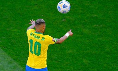 Brésil/Pérou - Neymar passeur décisif et buteur lors de la victoire brésilienne