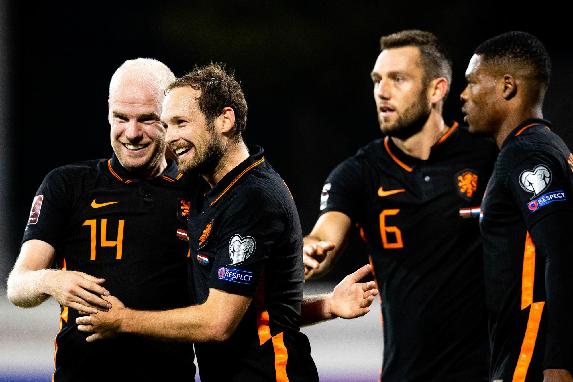 Les Pays-Bas s'imposent contre la Lettonie pendant la suspension de Wijnaldum