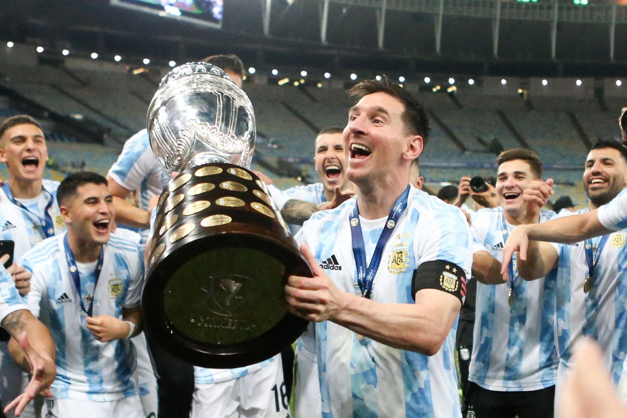 Messi mériterait le Ballon d'Or selon Roustan