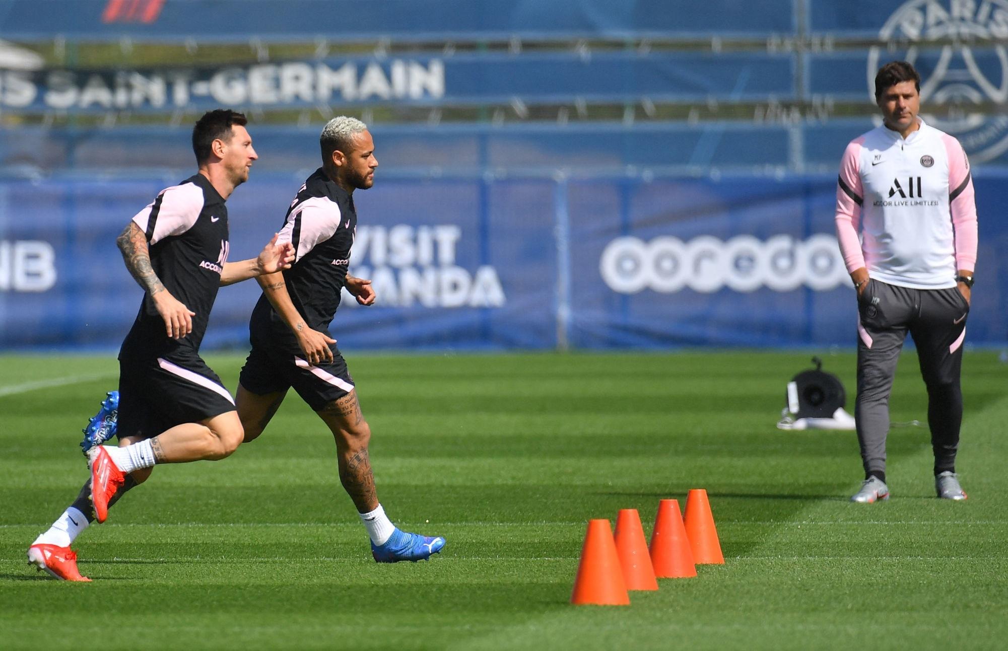 """Pochettino évoque le """"cadeau"""" Messi et le """"fabuleux"""" Neymar"""